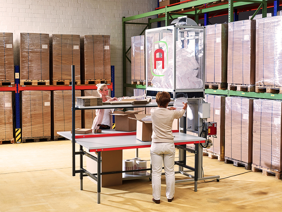 Luftpolsterfolien und Maschinen: Packstation zum Verarbeiten der Luftpolster